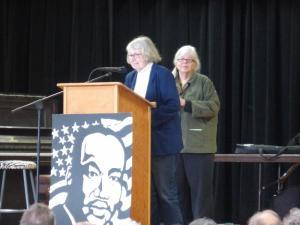 Pat Rathmann accepting Community Award.
